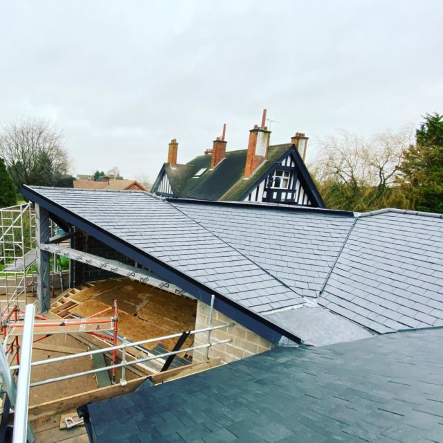 Just a few different angles to slate on this roof! We formed secret gutters to the vaulted apex which was tricky, as one side is 20 degrees and the other 40 but was well worth as it has given the fascia detail a clean sharp look up to the apex. We sourced a great dry verge system for the welsh slates which are very minimalistic, this gives a nice detail to the gables but are also compatible as a system to enable the use of slates down 12.5 degrees. #slateroof #nottinghambuilders @federationofmasterbuilders #fmb #dryverge #dryridge #firestoneroofingproducts @permaroofuk